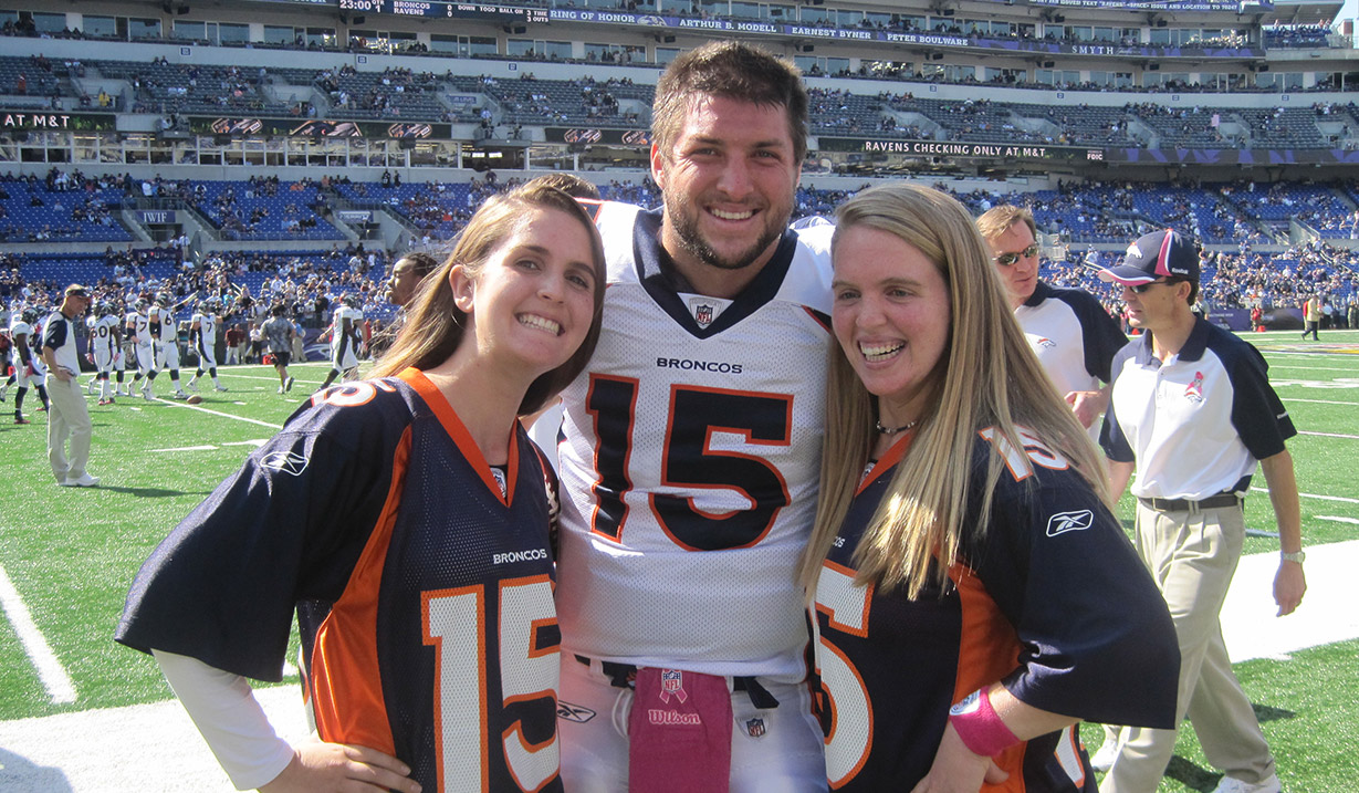 Kelly_Faughnan_W15H_with_Tim_Tebow_-_2011.JPG