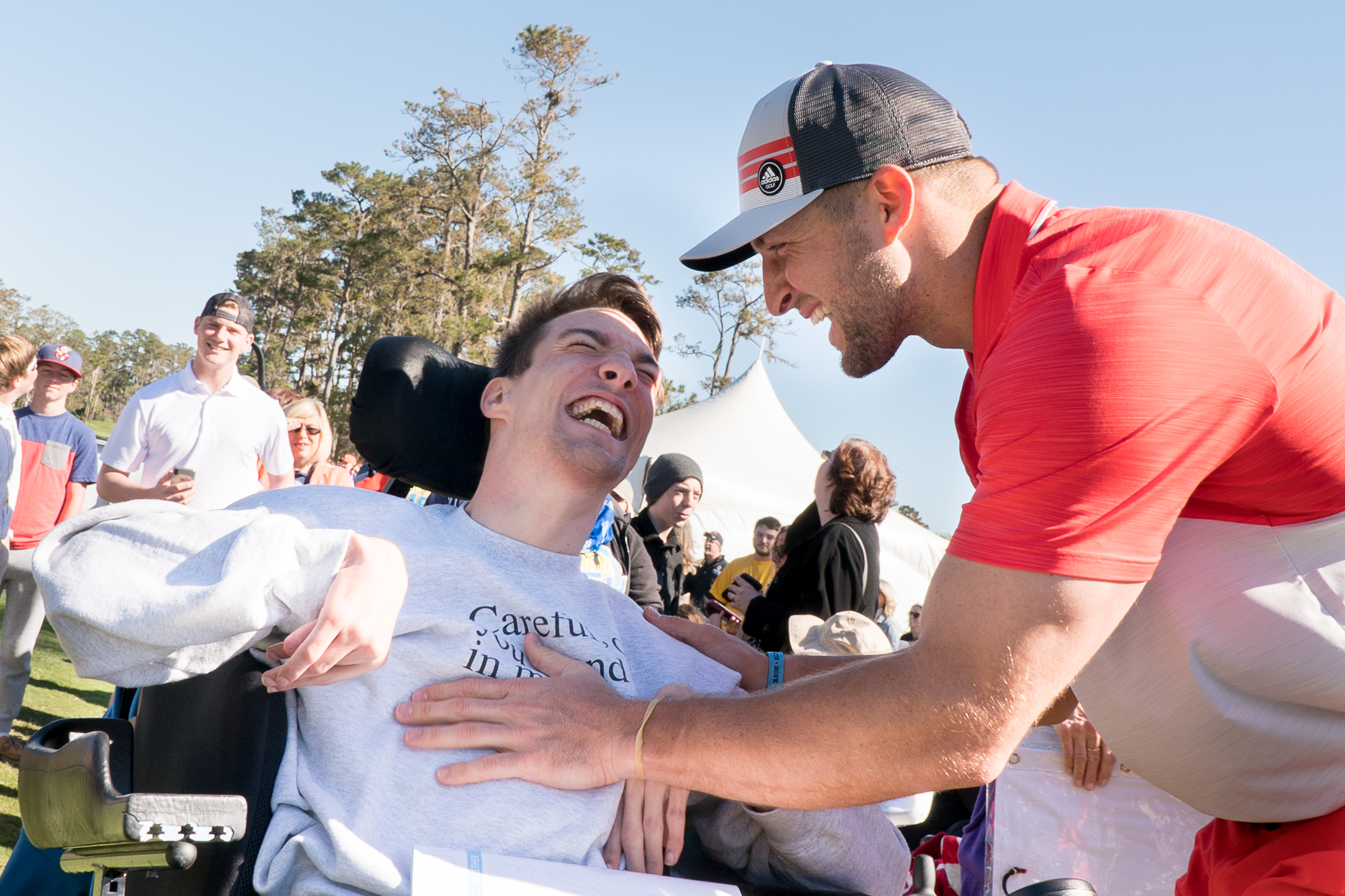 Tim_Tebow_greets_W15H_guests_on_Hole_1.jpg