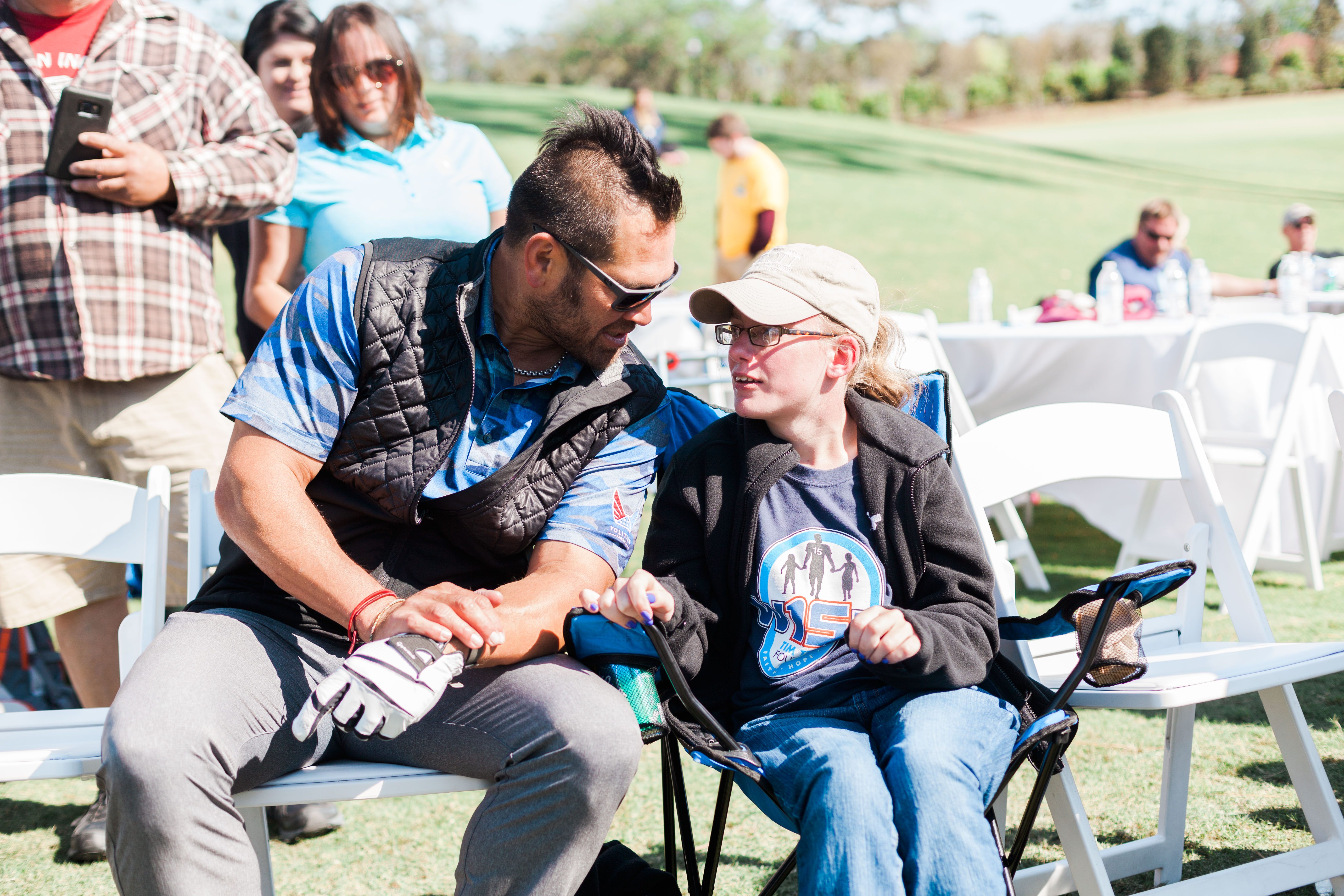 Johnny_Damon_talks_with_W15H_recipient_Robyn_Clarke.jpg